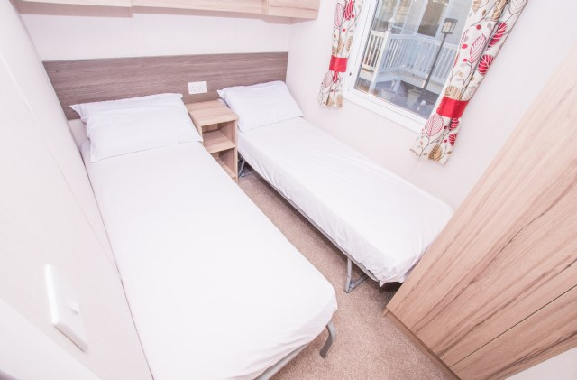 A28 - Twin Bedroom
